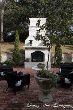 27 Best Ideas for outdoor patio fireplace brick Outside Fireplace, Backyard Fireplace, Brick Fireplace, Backyard Patio, Fall Fireplace, Fireplace Kitchen, Outdoor Fireplaces, Fireplace Ideas, Fireplace Design