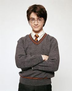 - Actor Daniel Radcliffe as Harry Potter in the Film ca. Saga Harry Potter, Harry Potter Cosplay, Harry James Potter, Harry Potter Pictures, Harry Potter Characters, Harry Potter World, Rupert Grint Shirtless, Daniel Radcliffe Harry Potter, Desenhos Harry Potter