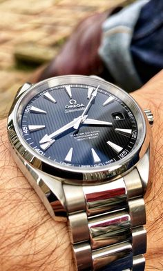 It's time to ditch fashion watches and wear quality wristwatches. The Slender Wrist is the place for the best men's watches and watches for small wrists. Stylish Watches, Cool Watches, Rolex Watches, Wrist Watches, Omega Watches For Men, Unusual Watches, Black Watches, Fossil Watches, Omega Aqua Terra