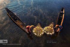 """Inle Lake Fishermen"" - Pinned by Mak Khalaf Inle lake fishermen activity in the morning Myanmar . Travel asiaburmafishermaninleinlelakelakemistmyamyanmarsunrisetravelwater by handilaksono"