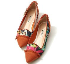 Discover recipes, home ideas, style inspiration and other ideas to try. Dressy Flats, Cute Flats, Cute Shoes, Shoe Boots, Shoes Sandals, Heels, Pointy Flats, All About Shoes, Kinds Of Shoes