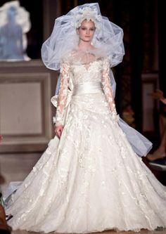 Zuhair Murad HOUTE COUTURE Zuhair Murad High Fashion Haute Couture featured fashion - I like the dress, not so much the veil. 2015 Wedding Dresses, Wedding Bridesmaid Dresses, Wedding Gowns, Cake Wedding, Bridesmaids, Bridal Veils And Headpieces, Bridal Gowns, Zuhair Murad, Beautiful Gowns