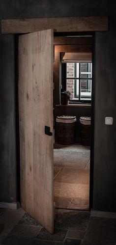 Toegang Tot Onze Landelijke Badkamer Met Een Hoffz Inrichting....