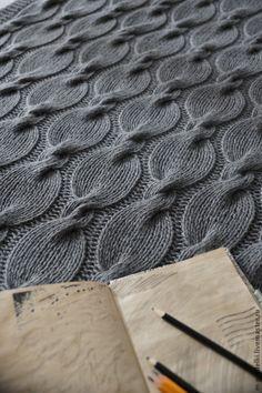 """Купить или заказать Вязаный плед """"Gray"""" в интернет магазине на Ярмарке Мастеров. С доставкой по России и СНГ. Срок изготовления: 1,5 недели. Материалы: шерсть, шерсть 100%, шерстяная пряжа. Размер: 120х80"""