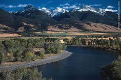 PARADISE VALLEY, MONTANA, USA   Found on montanaflyfishingguides.com