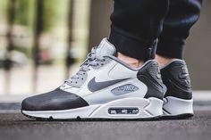 On-Foot  Nike Air Max 90 Premium SE