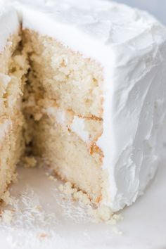This super moist white cake recipe from scratch is the best white cake I've ever had. It's made with sour cream and has a soft and moist texture. Homemade White Cakes, Homemade Cake Recipes, Baking Recipes, Yummy Recipes, Recipies, Moist White Cake, Wedding Cake Flavors, Wedding Cakes, Cake Recipes From Scratch
