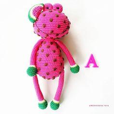 Вяжем! Творим! Чудим! Crochet Frog, Crochet Animal Amigurumi, Kawaii Crochet, Amigurumi Toys, Cute Crochet, Crochet Animals, Crochet Dolls, Crochet Gifts, Baby Toys