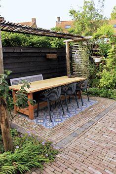 Pergola Garden, Garden Seating, Garden Trellis, Small Gardens, Outdoor Gardens, Small Backyard Design, Garden Projects, Garden Inspiration, Beautiful Gardens
