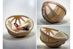 """Comfortable """"Cradle"""" for Adults.       コロコロ。ゆらゆら。本を読んだり、うたた寝したり。この球体のロッキングチェアは「大人のためのゆりかご」として、Richard C..."""