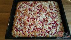 Rybízová bublanina - nejjednodušší recept od babičky | NejRecept.cz Macaroni And Cheese, Sweets, Bread, Ethnic Recipes, Food, Erika, Sweetie Cake, Top Recipes, Baking