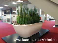 Design bad gevuld met kunstplanten Bad, Design