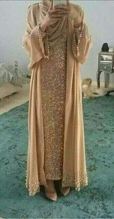 Abaya Style 21246 Hijab Fashion Selection of over 100 looks in trendy and chic Abaya Islamic Fashion, Muslim Fashion, Modest Fashion, Fashion Dresses, Modest Wear, Modest Dresses, Modest Outfits, Hijab Fashion 2017, Abaya Fashion