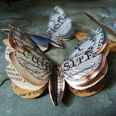 alte bücher basteln | Schneiden Sie Schmetterlinge in vielen Schichten aus alten Büchern ...