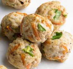 Baby Meatballs Baby Food This Clean Baby Food Recipe is healthy, delicious snack for baby! Ingredients: 8oz (1 cup) lean minced/ground beef 4oz (1/2 cup) mashed potatoes Preparation: 1. Pre-heat the oven to 350 degrees 2. Combine the ingredients and blend well 3. Roll into 1 inch balls 4. Place on a baking tray and cook for around 20 mins 5. Drain the fat, then cool and serve Serve