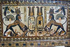 This is an image of 2 oval cartouches representing King Tutankhamun, guarded by lioness warriors who are crushing enemies underfoot. The vulture goddess Nekhbet flies overhead. Ancient Egyptian Religion, Ancient Aliens, Ancient History, Ancient Egyptian Paintings, Symbolic Representation, Egyptian Pharaohs, European History, American History, African Artists