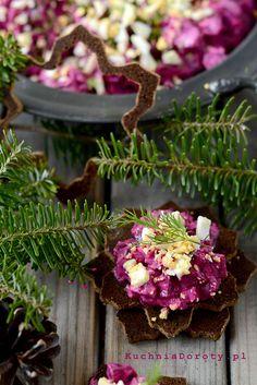 Sałatka zeŚledzi iburaków Cabbage, Vegetables, Plants, Christmas, Food, Xmas, Essen, Cabbages, Vegetable Recipes