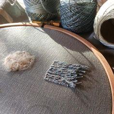 Una puntada de viento ✂️ #estudiogimenaromero #ilustracióntextil #ilustrarconhilos #hebradeagua #embroidery #broderie #bordado