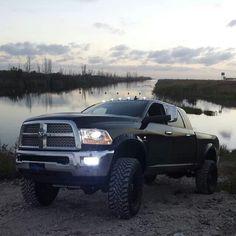 Looks like Matt's old truck! Miss it :( except megacab
