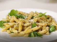 Looking for a quick and easy recipe? Try Barilla's Ready Pasta Penne Arugula & Pesto Salad for a delicious meal! Easy Pasta Salad Recipe, Easy Pasta Recipes, Pasta Ideas, Penne Pasta, Barilla Recipes, Oven Ready Lasagna, Pasta Plus, Pesto Salad