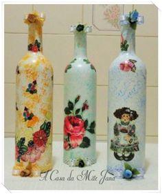 Garrafas de vidro decoradas. Veja o passo a passo em vídeo…