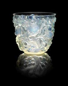 René Lalique (French, 1860-1945) 'Avallon' a Vase, design 1927