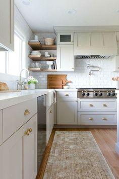 Gorgeous farmhouse gray kitchen cabinets ideas (20)