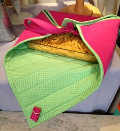 Indygo Junction's Quilted Cook and Carry pattern ($10.99) is made here using Cactus Pink Crossroads Denim by Amy Barickman. What a fun way to transport food! #sewing #potluck #casserolecarrier