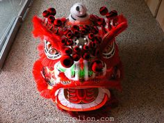 angulo Dragon Dance, Dragon Head, Chinese Lion Dance, Foo Dog, Chinese Culture, Birthday Candles, Mascaras, Lion, Dance