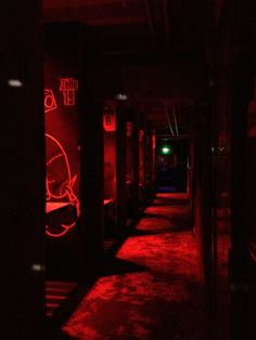 Tresor Club in Berlin Red Aesthetic Grunge, Aesthetic Colors, Aesthetic Pictures, Aesthetic Vintage, Aesthetic Girl, Photo Wall Collage, Picture Wall, Bahn Berlin, Night Photography