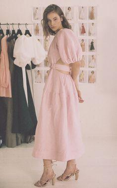 Silk Midi Dress, Dress Up, Runway Fashion, Fashion Outfits, Fashionable Outfits, Women's Fashion, Cropped Sweater, Summer Looks, Chic