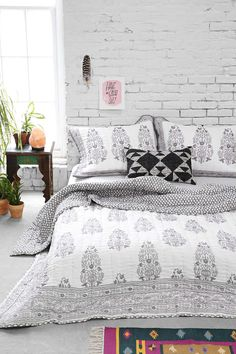 Magical Thinking Jaipur Quilt - Urban Outfitters