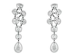 Chanel Joaillerie boucles d'oreilles Cascade de Diamants http://www.vogue.fr/joaillerie/shopping/diaporama/diamants-eternels-boucles-d-oreilles-tapis-rouge-festival-de-cannes/18676/image/999114#!chanel-joaillerie-boucles-d-039-oreilles-cascade-de-diamants