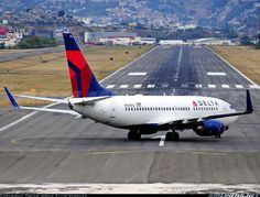 Aviation Photo Boeing - Delta Air Lines Boeing Aircraft, Passenger Aircraft, Delta Plane, Airplane Photography, Air Lines, Commercial Aircraft, Aircraft Pictures, Air Travel, Classic Tv