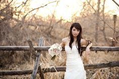 Cute casual bridal pose. By Lora Grady Photography.