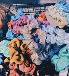 Wantttt More Scrunchies Photo Deco, Hair Ties, Girly Things, Hair Accessories, Bedroom Accessories, Cute Outfits, Artsy, Bling, Cool Stuff