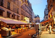 #Latin_Quarter  How this neighborhood fascinates its tourists?   Read more  @ http://tripbooki.com/paris-allures-tourists-consciousness/
