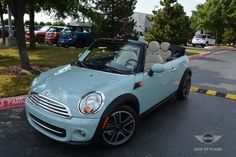 Mini Cooper / white leather / aqua The concept of the Mini was a love story with its buyers that was sustainable