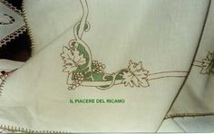 Il Piacere del ricamo: luglio 2013 Bargello, Cross Stitch, Embroidery, Tablecloths, Patterns, Byzantine Art, Godmothers, Hand Embroidery, Dots