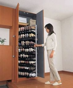 closet shoe rack design - Home Decor Master Closet, Closet Bedroom, Closet Space, Shoe Closet, Diy Bedroom, Closet Wall, Smart Closet, Hidden Closet, Shoe Wardrobe