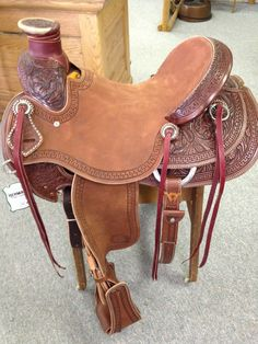 If this saddle is currently out of stock, please allow 8-12 weeks for your New Custom Saddle to arrive. Whether you are headed to the back pasture or the mountains, this saddle was made to ride all da
