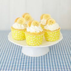 banana cream pie cupcakes  this is looking so good right now...