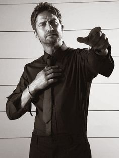 Well hello gorgeous Gerard Butler!