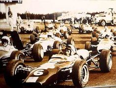 Mestarit lähdössä Keimolan varikolta,  mahdollisesti  vuoden 1966 kilpailussa