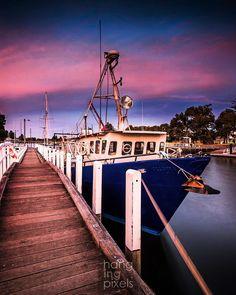 Sunset on Moyne River Port Fairy  : Canon 5D MKIII : Canon 16-35mm ƒ/2.8 II : 1/30 ISO400 ƒ/4 : Leefilters Grad ND 0.9 Soft : VIC AU  #amazing_australia #australia #australiagram #bestofaustralia #exploreaustralia #ig_australia #iloveaustralia #seeaustralia  #worldbestshot #wow_australia #ausfeels #visitvictoria #liveinvictoria #portfairy #portfairypics #greatoceanroad #VisitGreatOceanRoad #warrnambool #destinationwarrnambool #moyneriver #sunset #jetty #marina #boat #yatch #leefilters by…