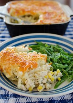 Cheesy topped Fish Pie Slimming Eats Recipe Extra Easy – 1 HEa and syns per serving NOTE: For those in the UK you will need to replace the fat free cream cheese with the UK HEa equivalent, the Source Slimming World Fish Pie, Slimming World Dinners, Slimming Eats, Slimming Recipes, Skinny Recipes, Healthy Eating Recipes, Cooking Recipes, Healthy Food, Slimmers World Recipes