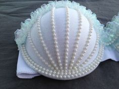UMIKO II mermaid rave bra by CosmicCrystal on Etsy, Could do this to a tank top with built in bra for a costume! Halloween Kostüm, Halloween Costumes, Halloween Dress, Disfraz Wonder Woman, Mermaid Bra, Mermaid Shell, Diy Bra, Do It Yourself Fashion, Halloween Disfraces