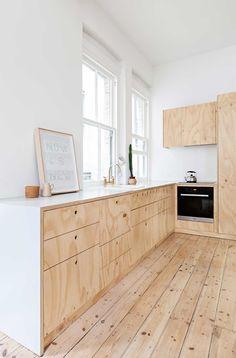 Flinders Lane apartment in Melbourne. Design:  Clare Cousins Architects. Photo: Lisbeth Grosmann.