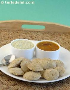 Kanchipuramidli is a traditional recipe that hails from vaishnavite homes in the little town of kanchipuram in interior tamilnadu. A traditional temple offering, it has become popular all over the world today due to its mild but appetising spiciness.