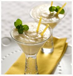 Hulett's Recipe for Pineapple & Ginger Smoothie. Ginger Smoothie, Non Alcoholic Drinks, Kitchen Recipes, Smoothies, Pineapple, Pudding, Mint, Sugar, Desserts